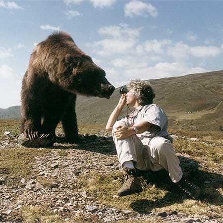 Jean-Jacques Annaud en el set de El Oso